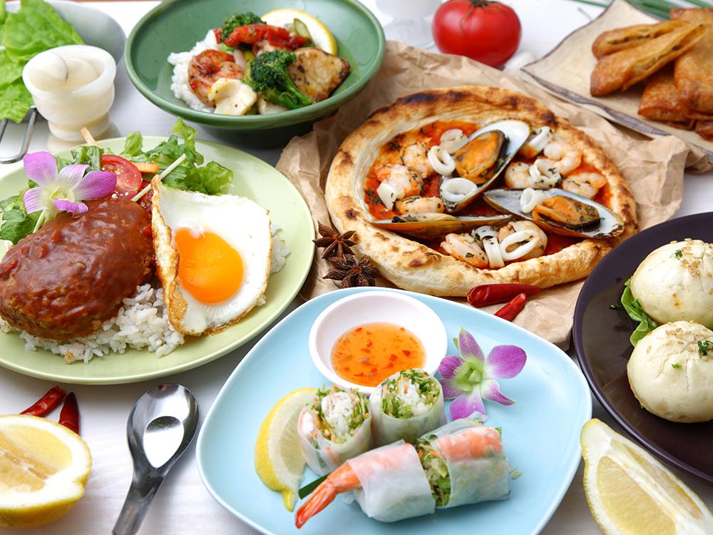ハンバーグやピザなど様々な食事の画像